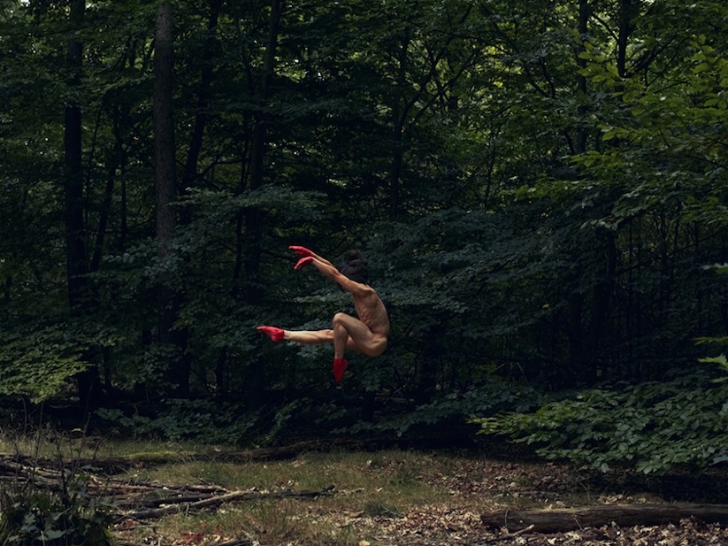 Naturally_Mindblowing_Images_Of_Dancers_In_Nature_by_Bertil_Nilsson_2016_08