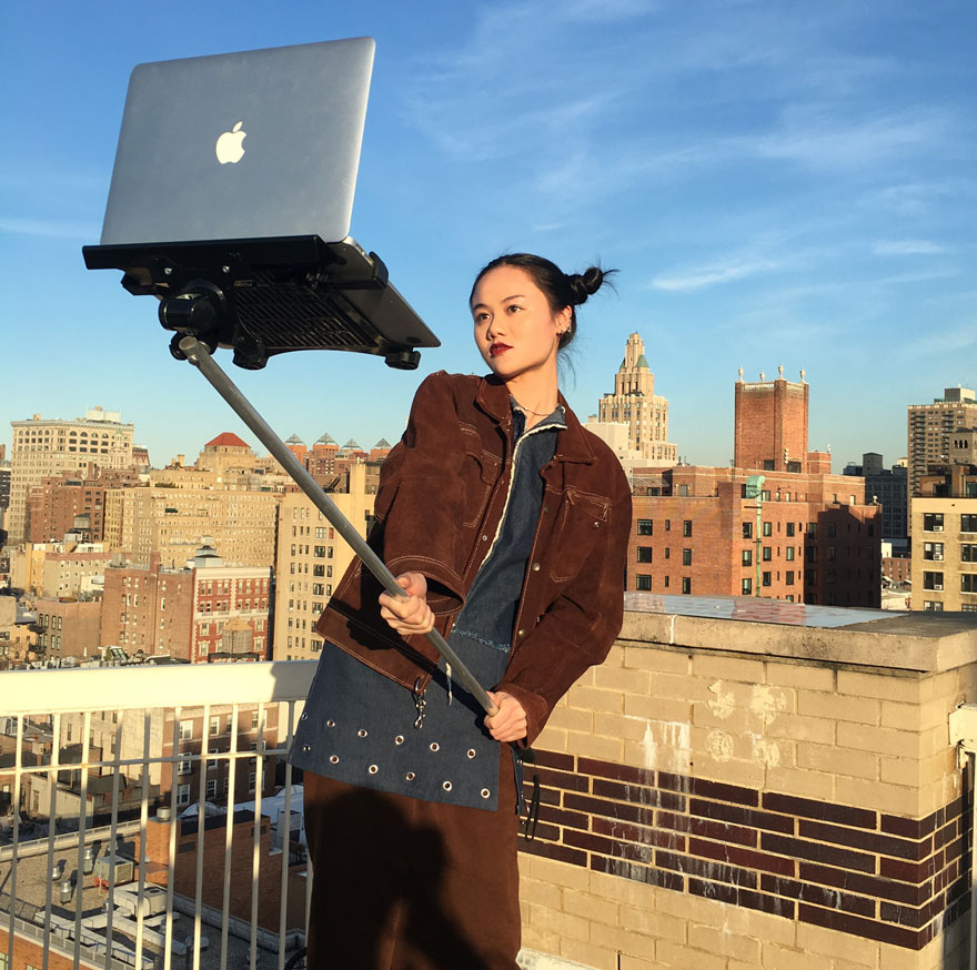 Macbook Selfie Stick WHUDAT 02