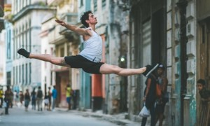 Cuba_the_Ballet_Dancers_in_the_Streets_of_Cuba_Captured_by_Omar_Robles_2016_header