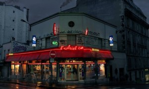 Red_Light_Lost_Parisian_Cafes_Captured_in_Rainy_Nights_by_Blaise_Arnold_2016_header