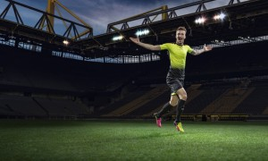 Puma_Tricks_Play_Loud_with_evoPOWER_and_evoSPEED_2016_01