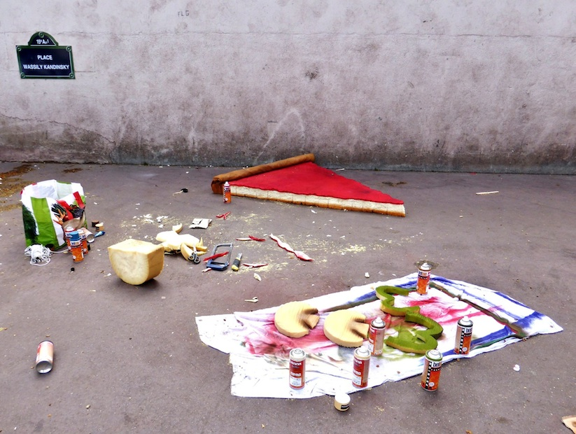 Eat_Me_French_Street_Artist_Lor_K_Turns_Old_Mattresses_into_Giant_Foods_2016_03