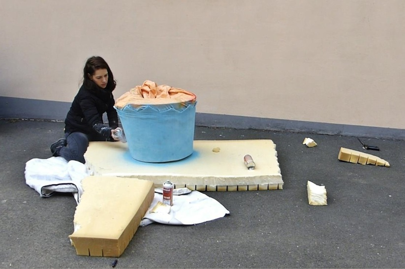 Eat_Me_French_Street_Artist_Lor_K_Turns_Old_Mattresses_into_Giant_Foods_2016_07
