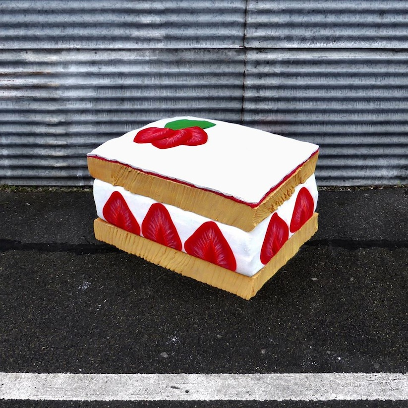 Eat_Me_French_Street_Artist_Lor_K_Turns_Old_Mattresses_into_Giant_Foods_2016_12