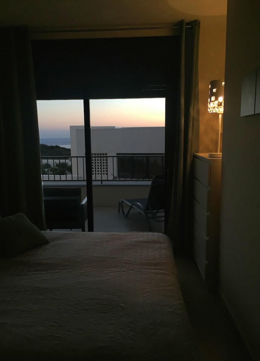 Samara Resort Marbella For Rent Apartment - Schlafzimmer swarovski