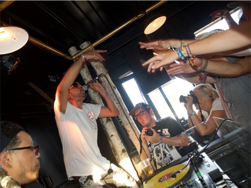 Ali As und DJ Vito wissen, wie man die Crowd zum Jubeln bringt.