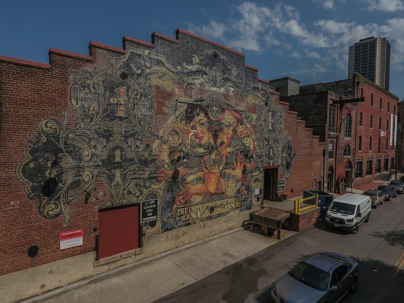 Luna_Cogitationis_Massive_Mural_by_Dutch_Street_Artist_Handiedan_in_Richmond_USA_2016_03