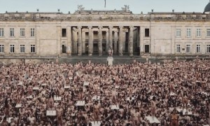 Spencer Tunick Keep Walking Columbia 00