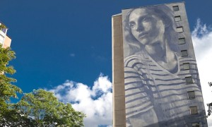 Emma_Street_Artist_RONE_Created_the_Tallest_Mural_of_Sweden_in_Gothenburg_2016_header