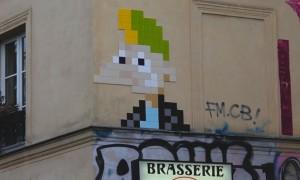 10_brand_new_mosaic_invasions_by_french_street_artist_invader_in_paris_2016_header