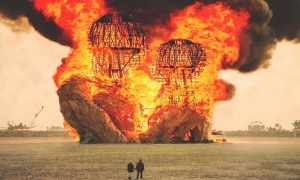 the_soul_on_fire_great_visual_diary_of_the_surreal_atmosphere_at_burning_man_by_victor_habchy_2016_header