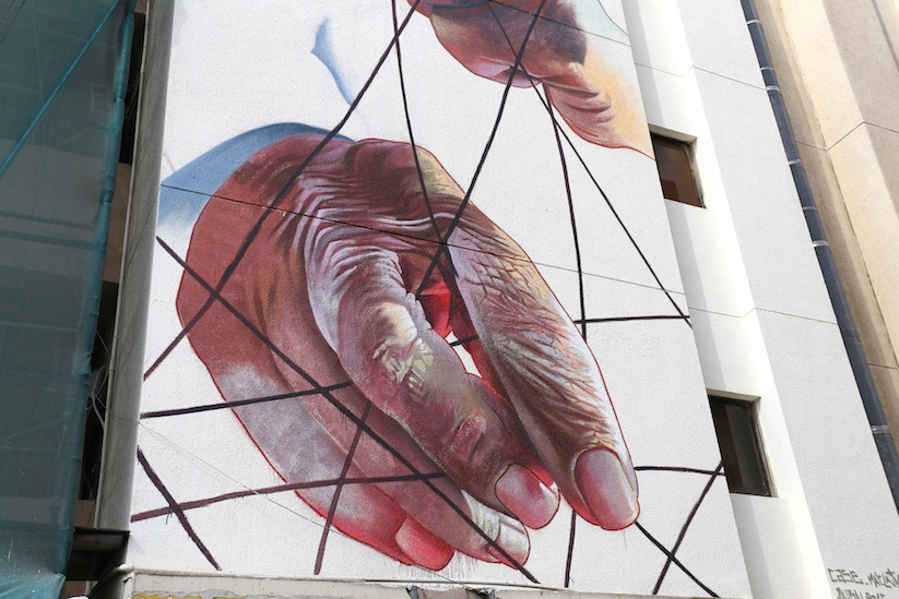 the_past_mural_by_case_maclaim_in_dubai_2016_11