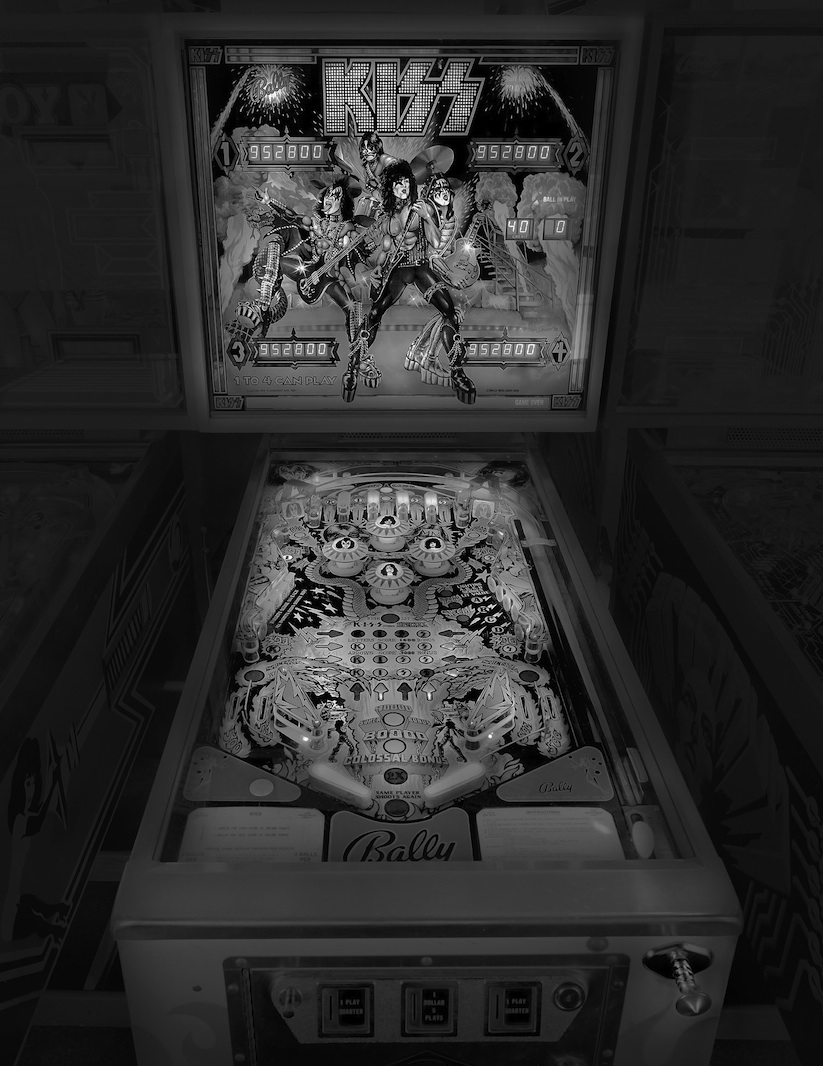 saudade_pictures_of_analog_pinball_machines_by_michael_massaia_2016_02