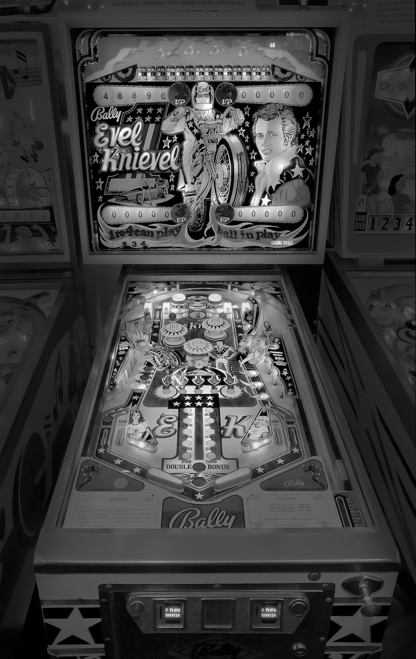 saudade_pictures_of_analog_pinball_machines_by_michael_massaia_2016_03