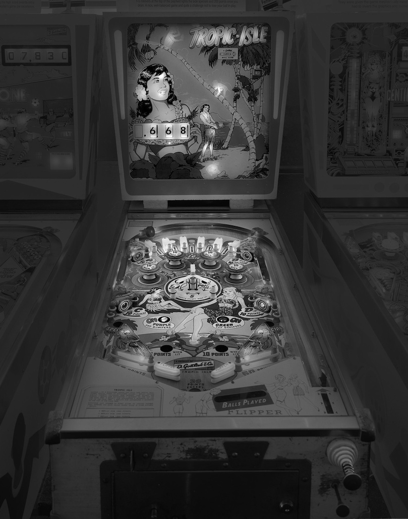 saudade_pictures_of_analog_pinball_machines_by_michael_massaia_2016_09