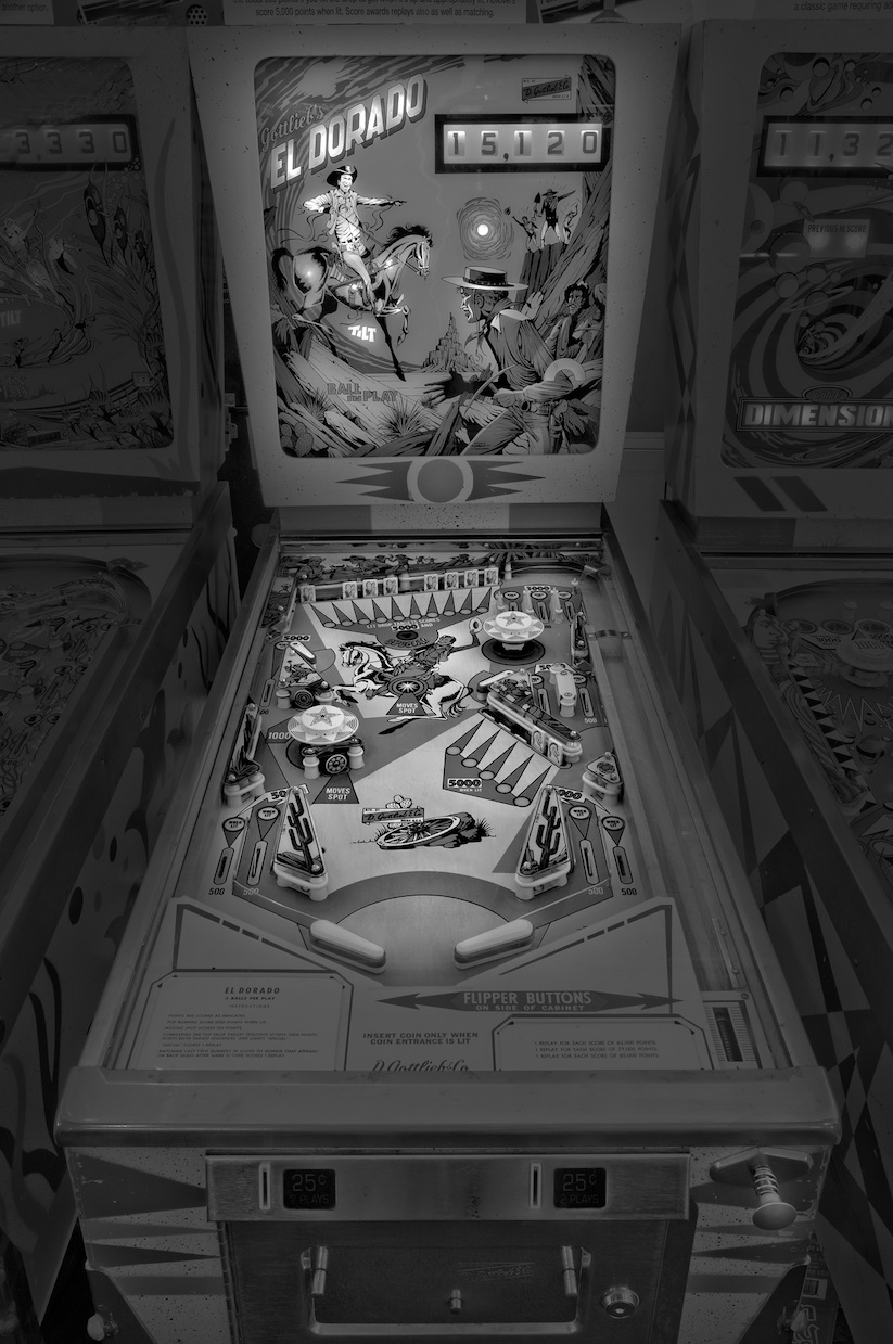 saudade_pictures_of_analog_pinball_machines_by_michael_massaia_2016_11