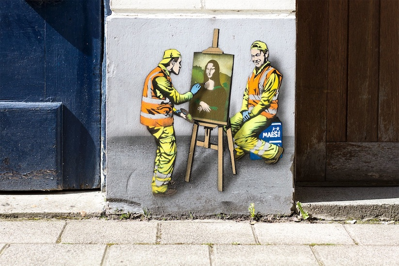the_secret_and_funny_life_of_city_workers_by_belgian_street_artist_jaune_2017_01