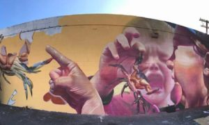 New_Mural_by_Street_Duo_TELMO_MIEL_for_Pow_Wow_Festival_Hawaii_2017_header