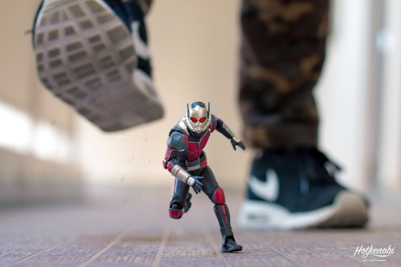 Superhero_Action_Figures_Arranged_by_Hotkenobi_2017_05