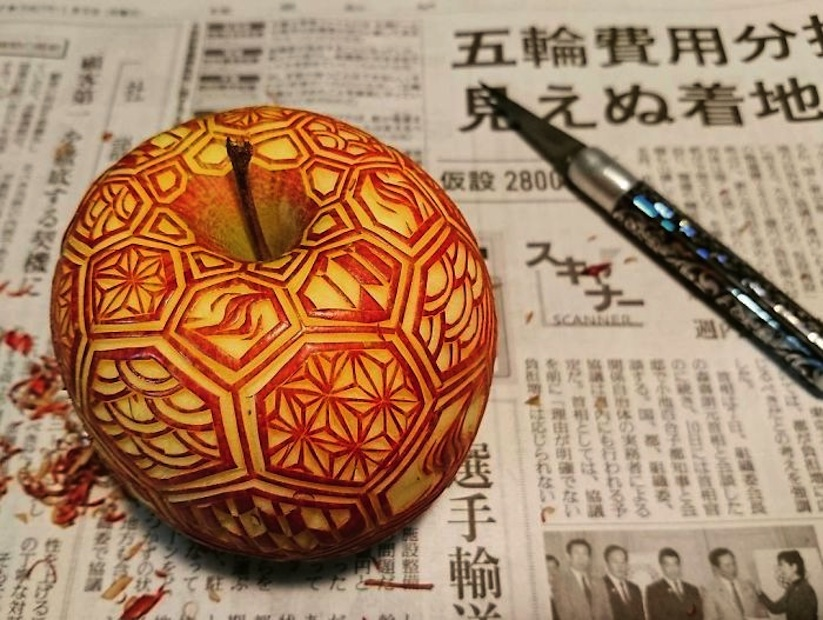 Awesome_Fruit_Vegetable_Carvings_by_Japanese_Artist_Gaku_2017_09