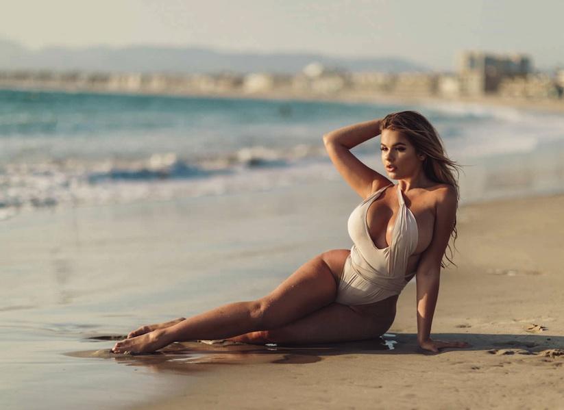 Day_at_the_Beach_in_California_with_Anastasia_Kvitko_2017_06
