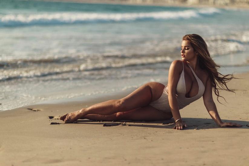 Day_at_the_Beach_in_California_with_Anastasia_Kvitko_2017_11