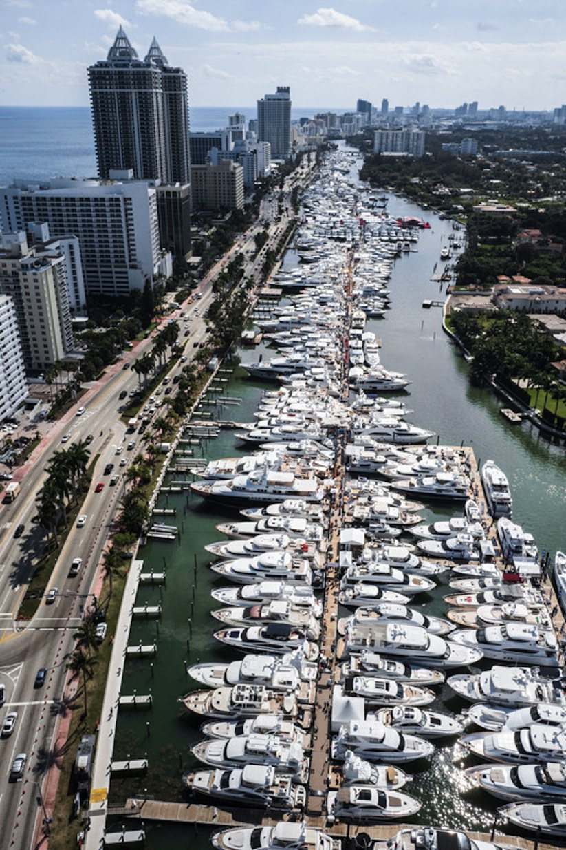 Running_Patterns_Flying_Over_Miami_with_Photographer_Van_Styles_2017_05