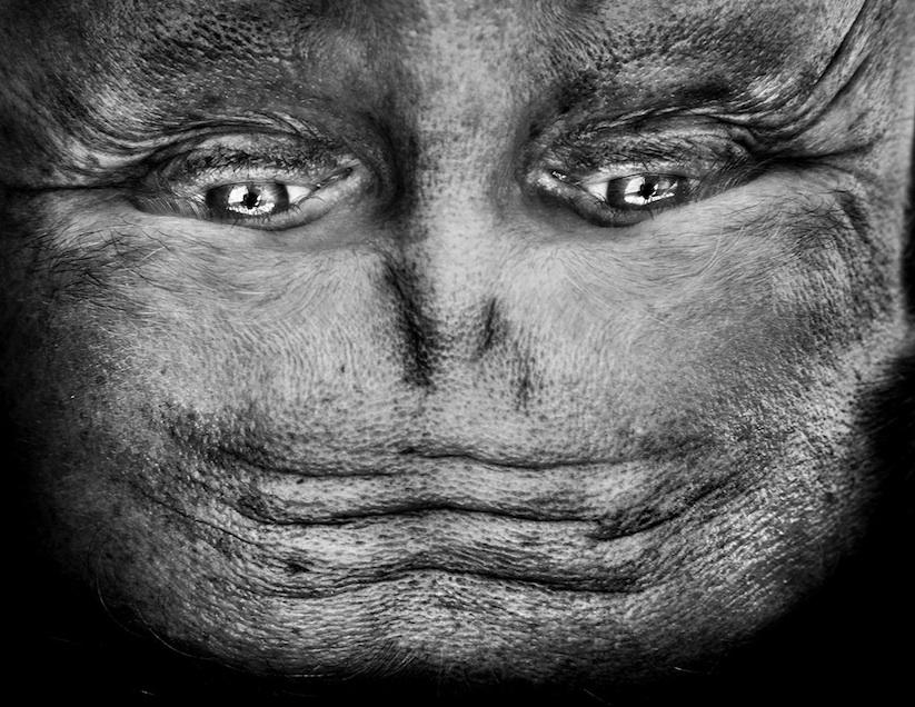 Alienation_Upside_Down_Portraits_Make_People_Look_Like_Aliens_2014_03