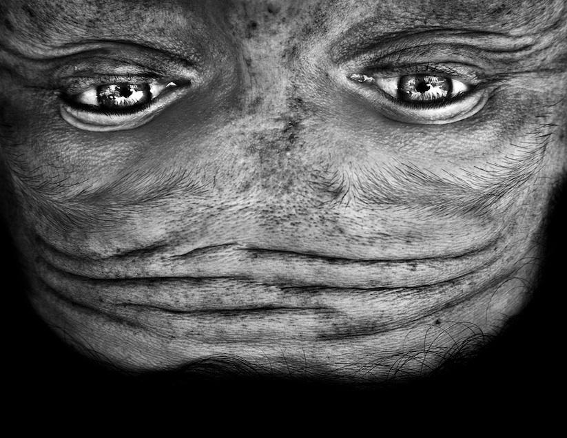 Alienation_Upside_Down_Portraits_Make_People_Look_Like_Aliens_2014_06