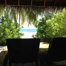 Ausblick aus meiner Beachfront Baros Villa auf den Strand.