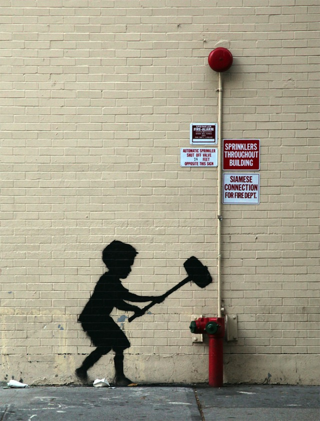 Banksy_in_than_out_NY_20_01