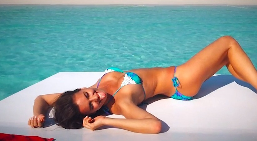 Behind_The_Scenes_Of_Irina_Shayks_Sports_Illustrated_Swimsuit_2014_Shoot_2014_02