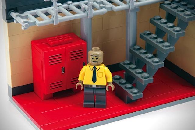 Breaking-Bad-LEGO-Superlab_04
