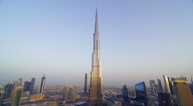 Burj_Khalifa_BASE_Jump_02