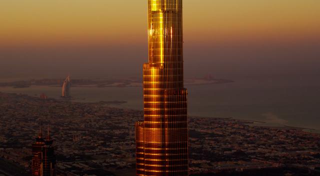 Burj_Khalifa_BASE_Jump_03