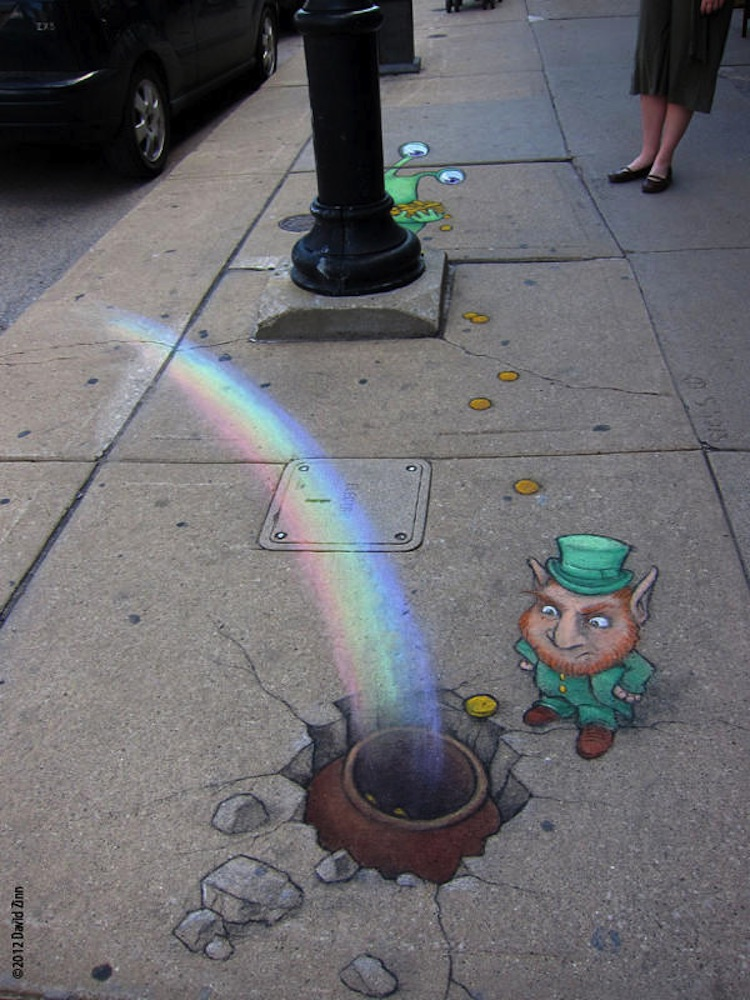 Chalk_and_Charcoal_Art_by_David_Zinn_in_the_Streets_of _Ann_Arbor_Michigan_2014_08