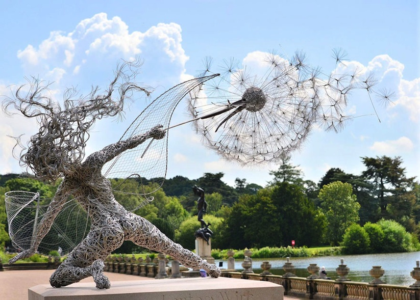 Dramatic_Steel_Wire_Fairy_Sculptures_Dancing_In_The_Wind_by_Robin_Wight_2014_01