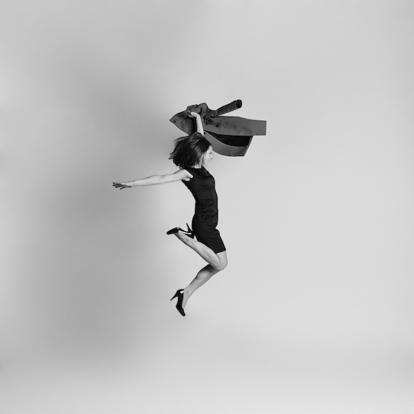 Energetic_Black_And_White_Portraits_Of_People_Captured_In_Mid_Jump_2014_07