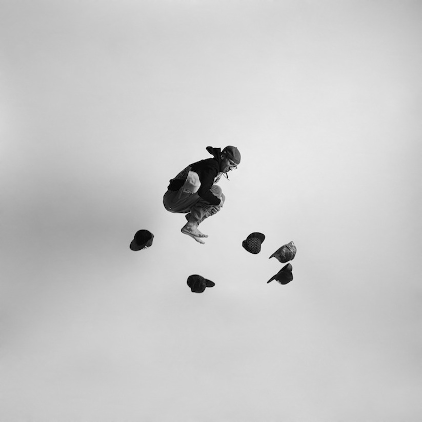 Energetic_Black_And_White_Portraits_Of_People_Captured_In_Mid_Jump_2014_08