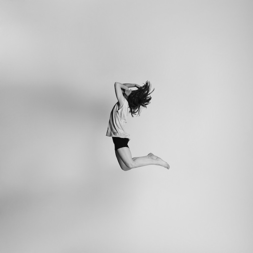 Energetic_Black_And_White_Portraits_Of_People_Captured_In_Mid_Jump_2014_09