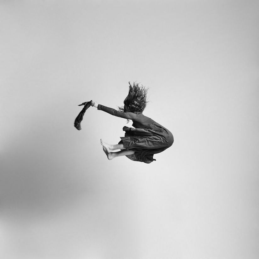 Energetic_Black_And_White_Portraits_Of_People_Captured_In_Mid_Jump_2014_12