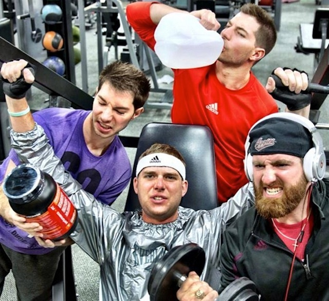 GYM_Stereotypes_by_Dude_Perfect_2014_01