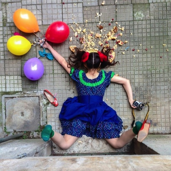 Hilariously_Photos_of_People_Posed_as_If_They_Have_Just_Fallen_by_Sandro_Giordoan_2014_04