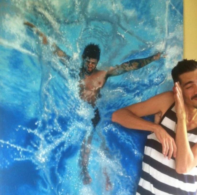 Hyperrealistic_Oil_Paintings_Of_People_Swimming_by_Gustavo_Silva_Nunez_2014_06