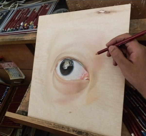 Incredible_Hyperrealistic_Drawings_Created_on_Wood_by_Artist_Ivan_Hoo_2014_05