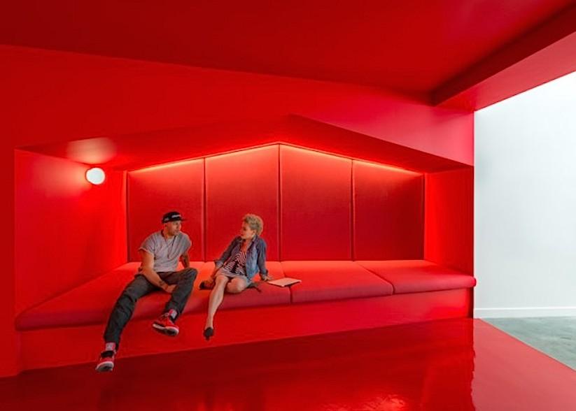 Inside-Beats-by-Dre-Office_03