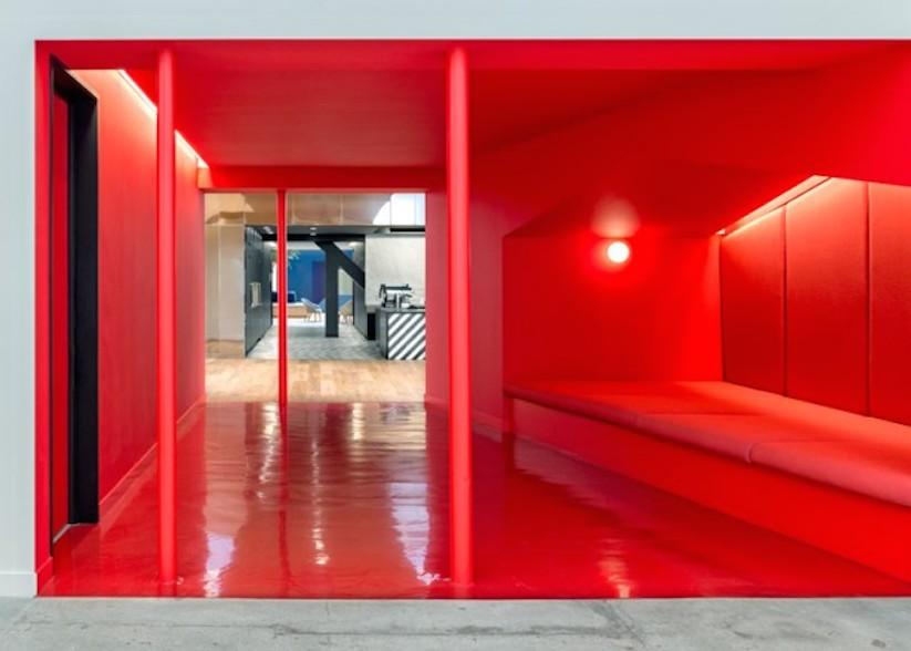 Inside-Beats-by-Dre-Office_12