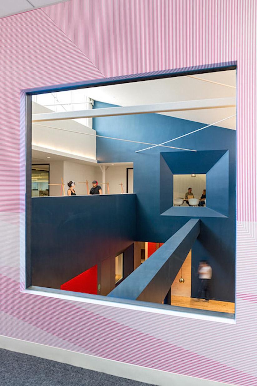 Inside-Beats-by-Dre-Office_15