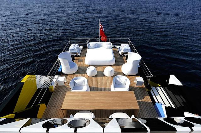 Jeff-Koons-Mega-Yacht-Guilty_09