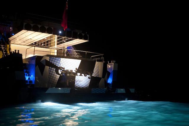 Jeff-Koons-Mega-Yacht-Guilty_11